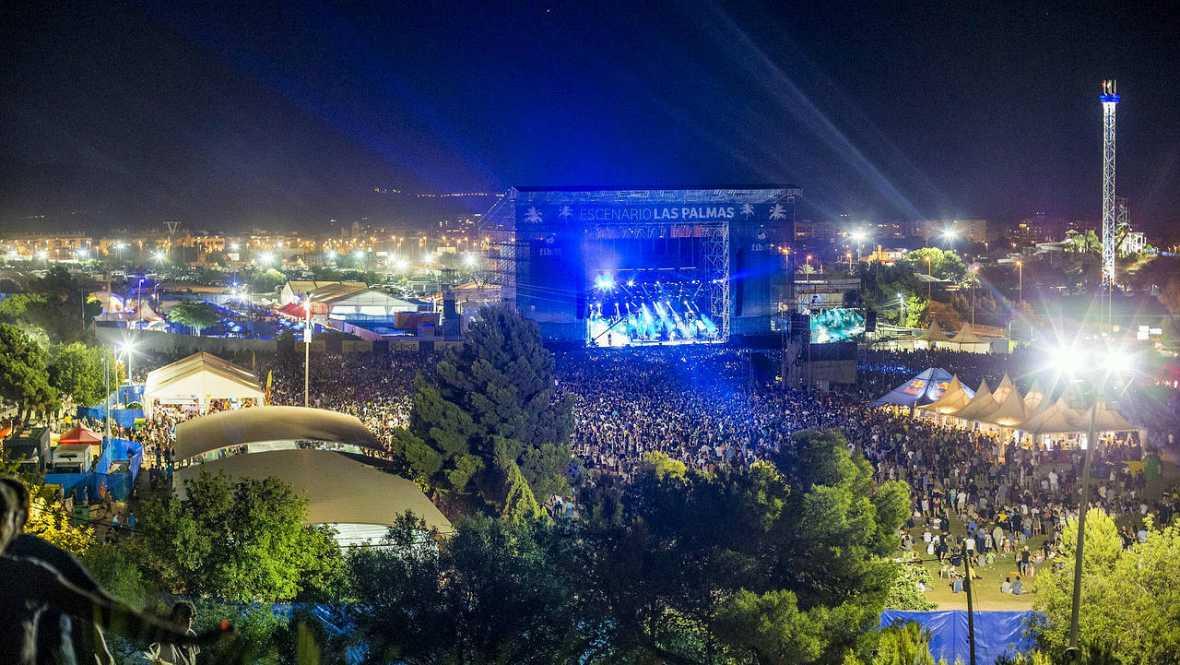 5 chapuzones entre conciertos: de Red Hot Chili Peppers a The Wailers, en los festivales de verano en Benicàssim
